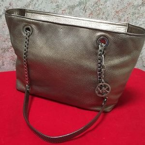 MICHAEL KORS Metallic Leather JET SET Chain Tote